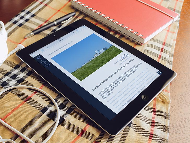 eSvet.si website